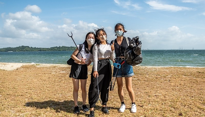 Kicking off a good start of the year by cleaning up a beach in Singapore.