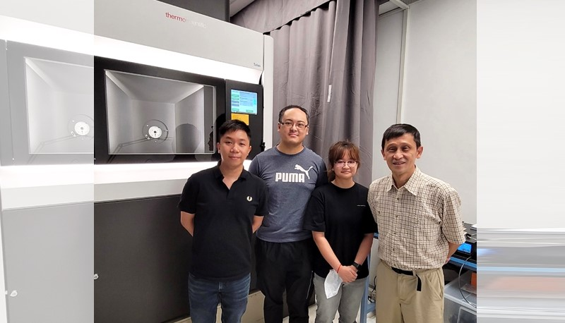 The School of Life Sciences uncovers the mechanism among small heat shock proteins using state-of-the-art single particle cryo-EM technology.